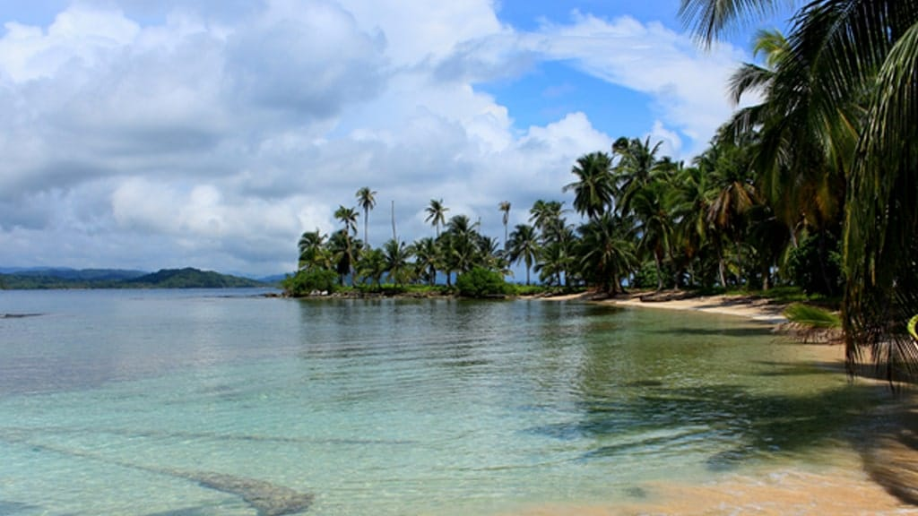 Own Paradise in Panama 2 min | Emily Bron - International Lifestyle Consultant